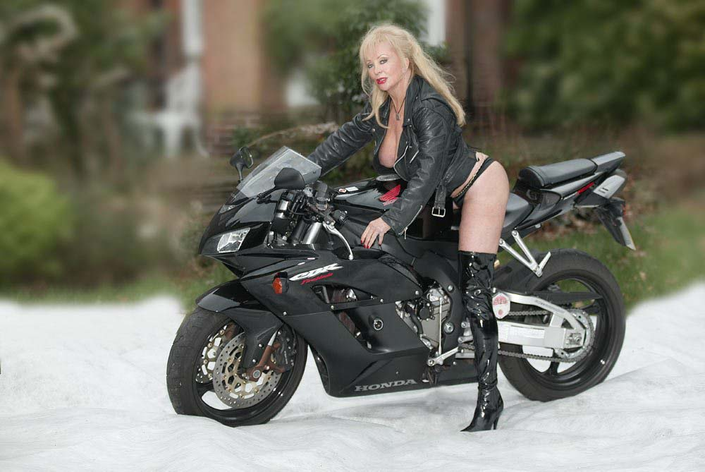Mistress Tanya Of London 11